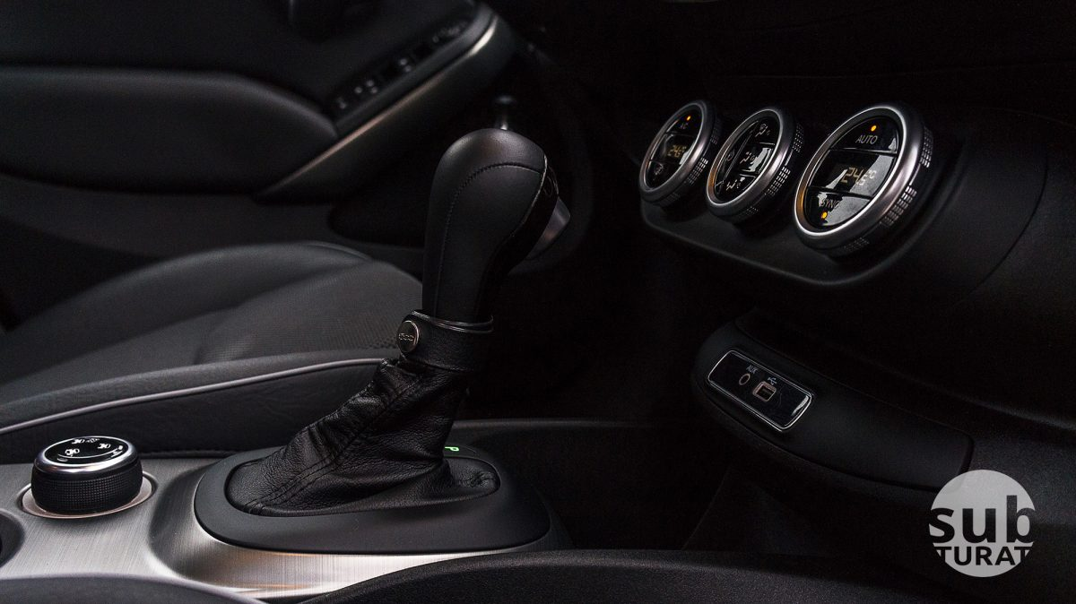 Fiat 500X Interior - Gear lever and climate control