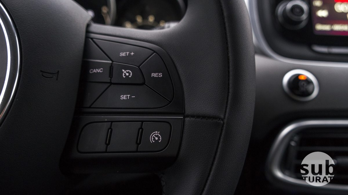 Fiat 500X Interior - Steering wheel detail