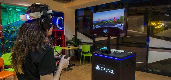 """BLP 13 sau """"locul unde am sofat in VR"""""""