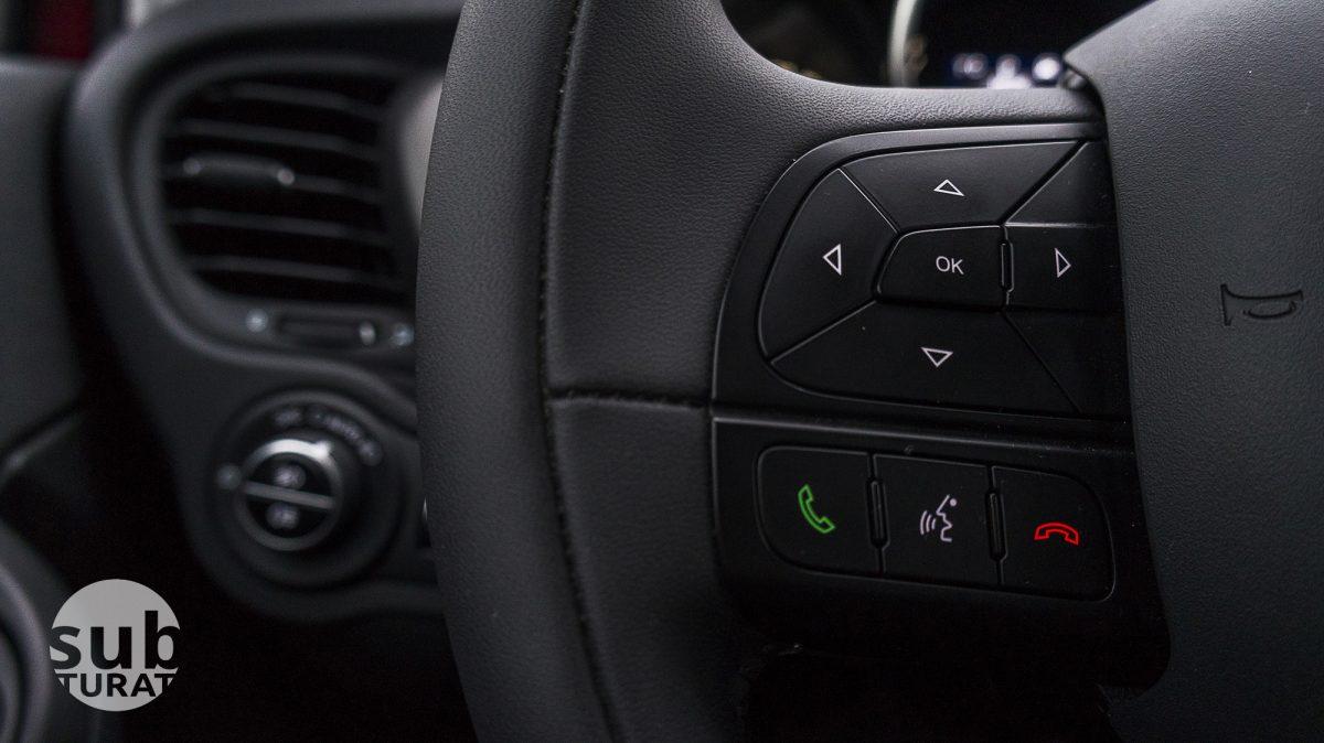 Fiat 500X Interior - Steering wheel detail