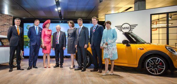 Regele Willem-Alexander si Regina Máxima ai Olandei au vizitat BMW Welt