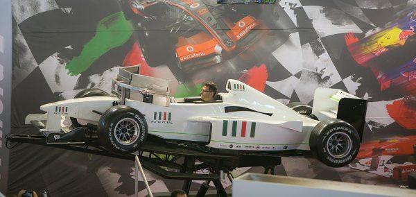 Fanii F1 pot intra în pielea unui pilot de curse în weekend, la ATBS